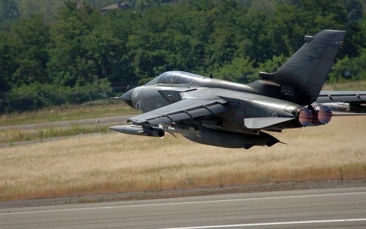 Aereo Da Caccia Italiani : Libia prima missione di aerei italiani armati informati
